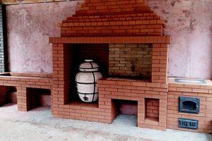 Барбекю с тандыром и мангалом в одном портале и печью под казан. Из ординарного кирпича